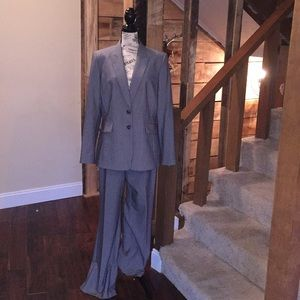 Alex Marie 2pc gray suit. SIZE: 8.